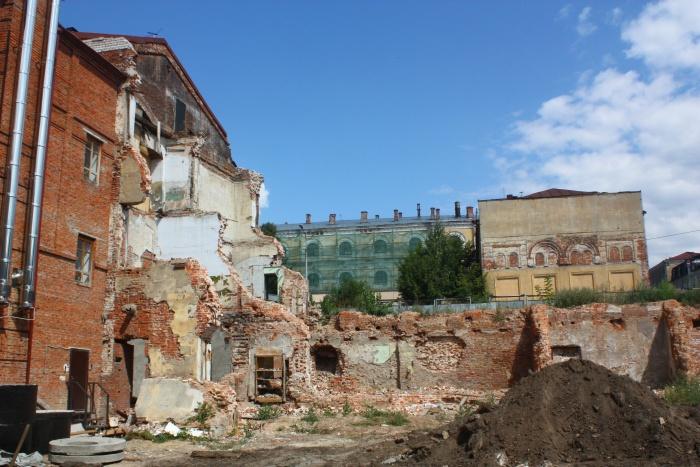 Развалины на улице Баумана