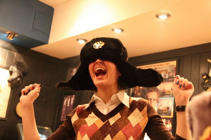 Даша и шапка