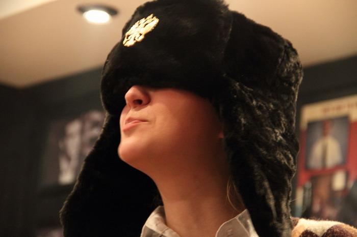 Даша и шапка 2